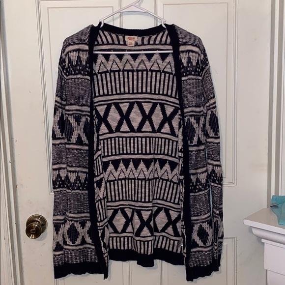 Mossimo sweater size medium